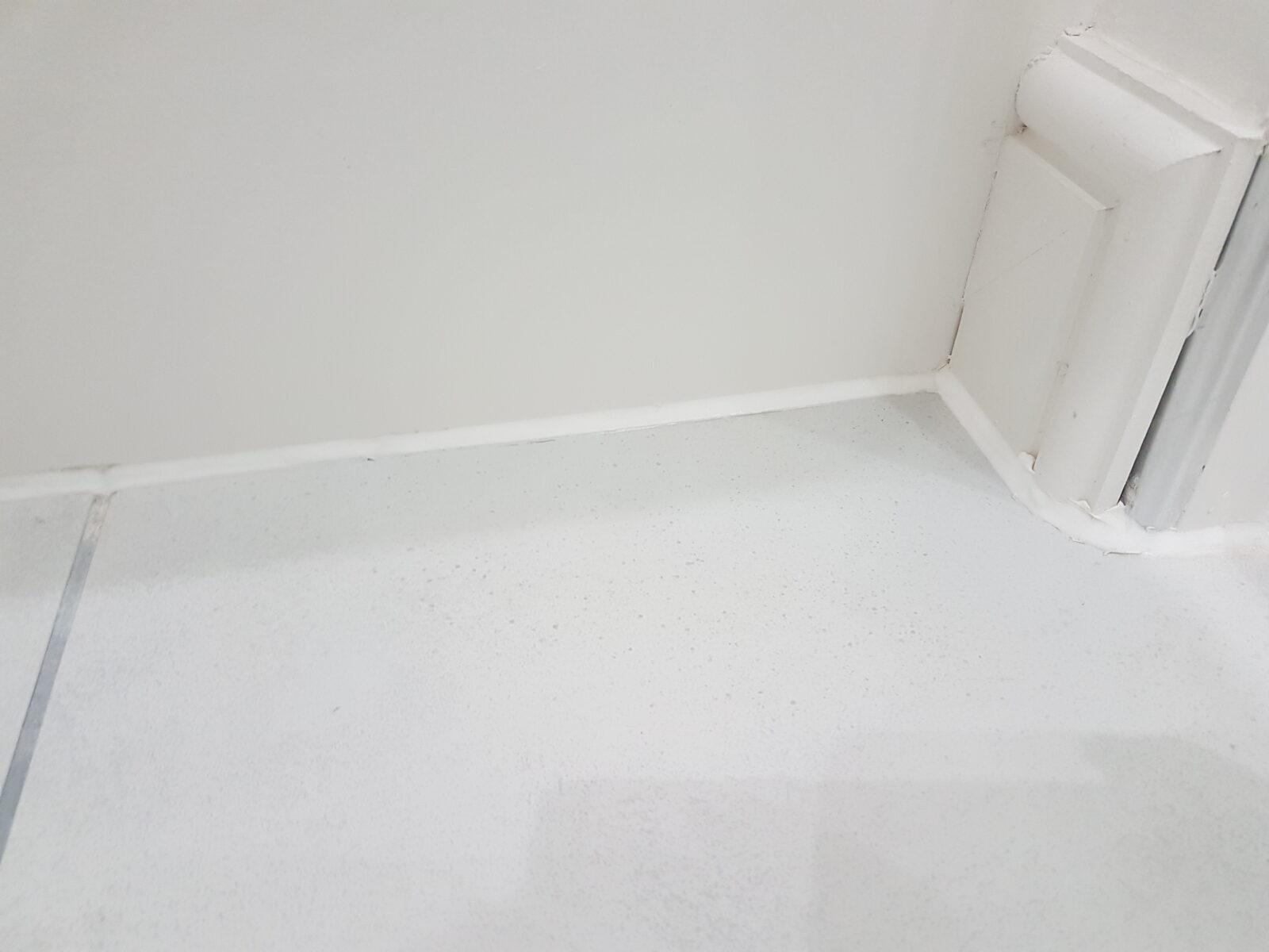 cracked bathroom wall tile repair