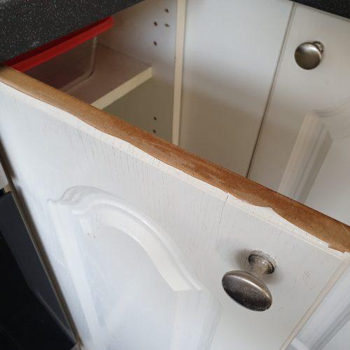 KITCHEN CUPBOARD DOOR DE LAMINATING CHIP REPAIR BEFORE 1
