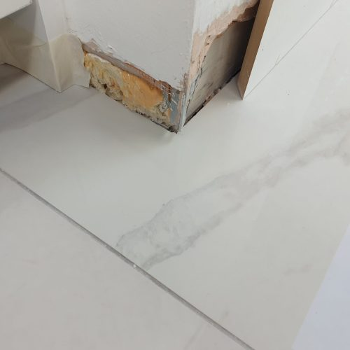 GLOSS PORCELAIN CERAMIC FLOOR TILE DRILL HOLE CRACK REPAIRS AFTER