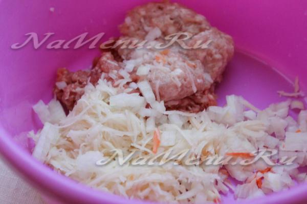 Зеленый борщ с щавелем и яйцом, рецепт с фото