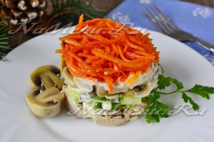 """Салат """"Восторг"""" с корейской морковью, рецепт с фото"""