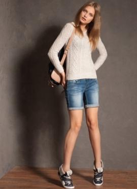 С чем носить джинсовые шорты. Женские джинсовые шорты ...