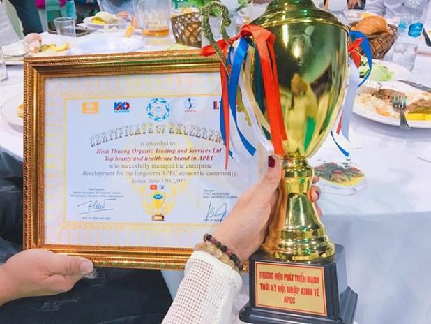 Hoài Thương Organic nhận nhiều giải thưởng.
