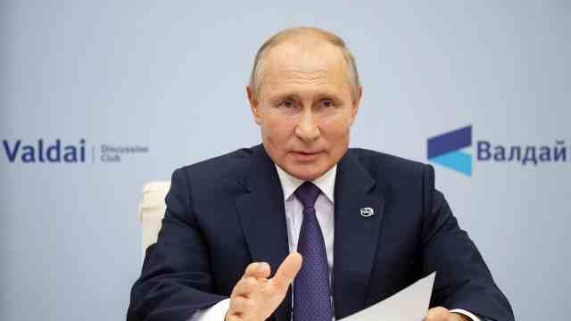 Президент России Владимир Путин на форуме «Валдай» ответил на вопрос о доверии вкиберпространстве и цифровом перемирии