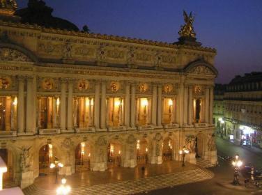 intercontinental-balcony-view-at-night