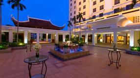 Sheraton2-Hotel_Courtyard_HD2