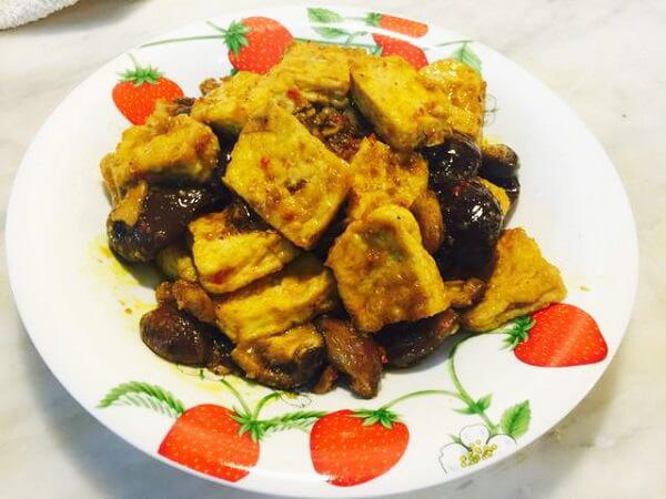nấm hương kho đậu hũ