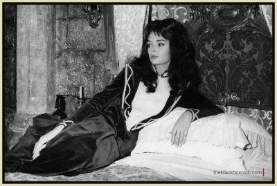 barbara-steele-on-the-set-of-mario-bavas-black-sunday-1960