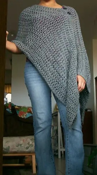 Customizable Poncho a free crochet pattern by Dandelion Dreamers