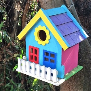 birdhouse-with-fence