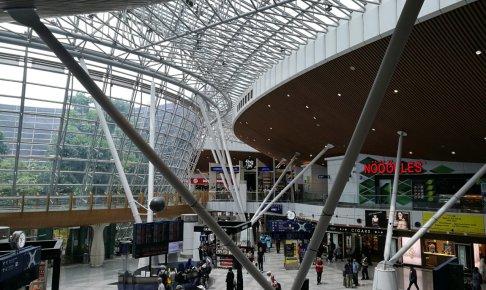 クアラルンプール国際航空サテライト2階