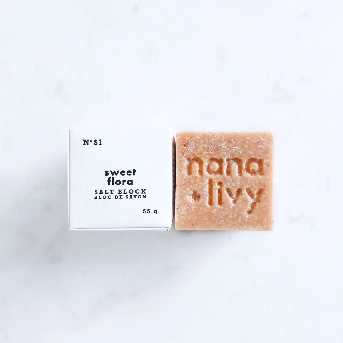 Sweet Flora Salt Block