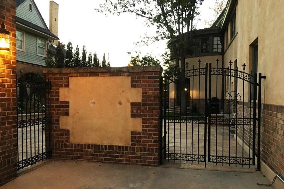 Van Genderen / Mushkin Residence - Gate