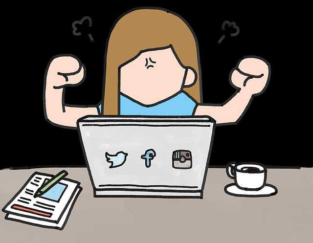 seo-mistake-angry-woman-computer