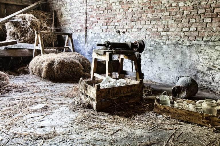 Farm Paternoster, hooibalen, Urbexlocatie