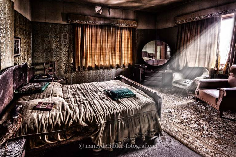maison dr. pepito, slaapkamer, vervallen dokterspraktijk, urbex, belgië