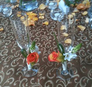 Copas decoradas con rosas para boda