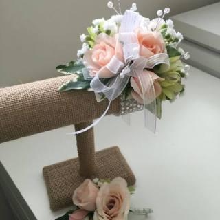 Pulseras de flores naturales para novia