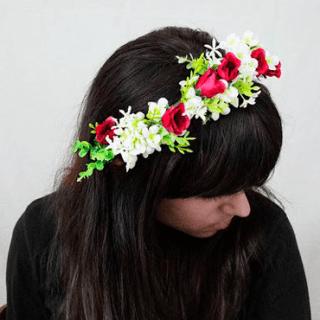 Diadema de flores con rosas