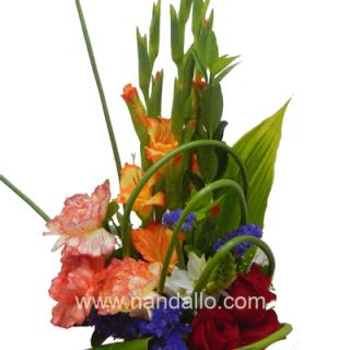 Flores primaverales para día de la secretaría