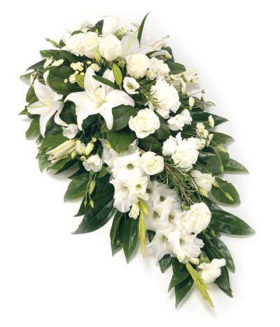 Tributo fúnebre blanco