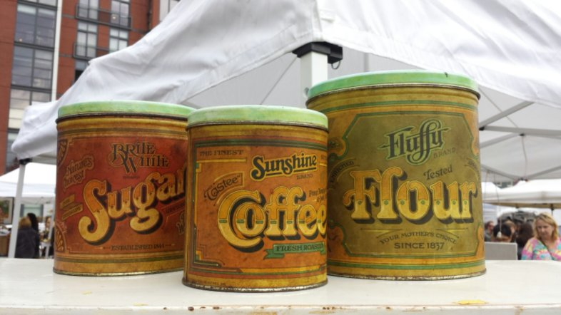 Rustic kitchen tins