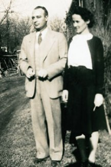 Dr. Robert E. Shands and his wife Margaret, by the Shands Hospital in New Albany, 1937