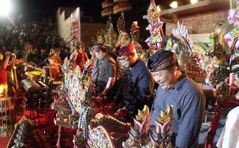 Pembukaan Festival Jegog Jembrana 2019.  Digelar selama 3 hari 3-5 desember 2019 di Anjungan Cerdas jalan Nasional Rambut Siwi.