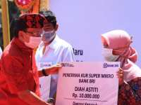 Gubernur Wayan Koster Resmikan Diberlakukannya Digitalisasi Pembayaran Kawasan Pariwisata dan Soft Launching Web Pasar se-Bali