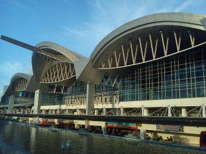 bandara hasanuddin Makassar