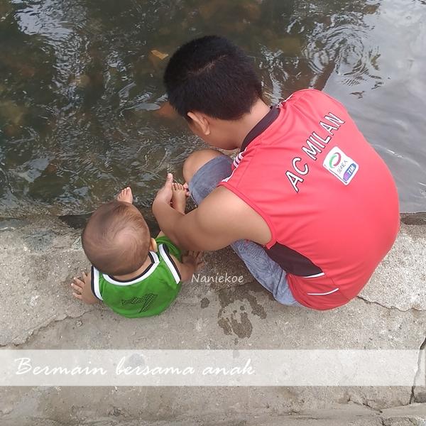 Bermain bersama si kecil