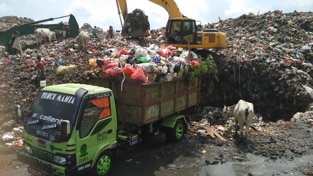 Sampah di TPA Antang