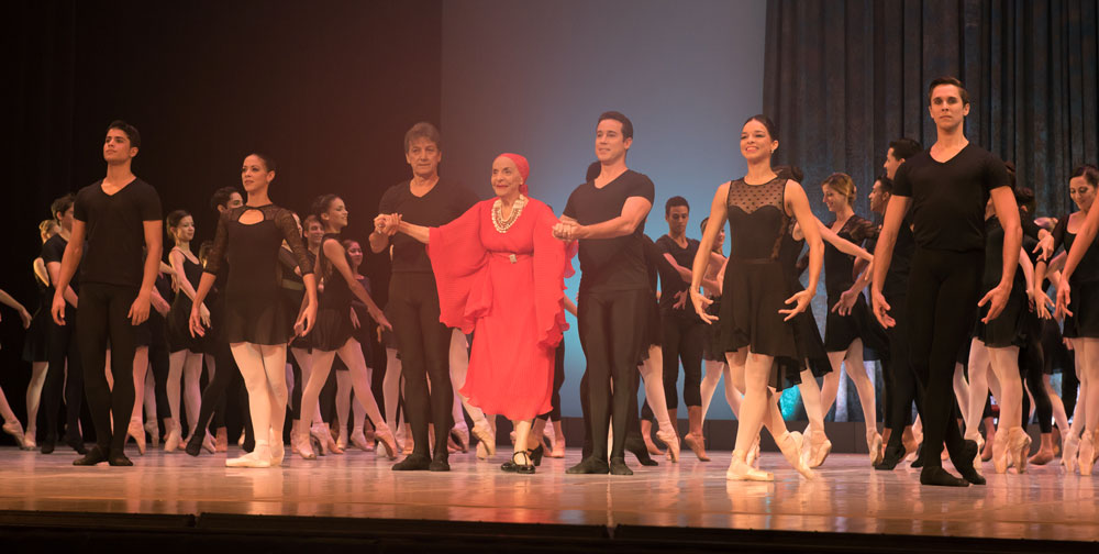 Curtain call, featuring Alicia Alonso