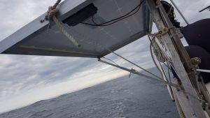 Ett ben till solcellerna åkte all världens väg i en våg