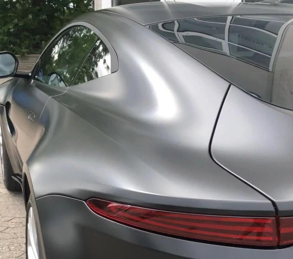 nanoshine monterer solfilm på biler