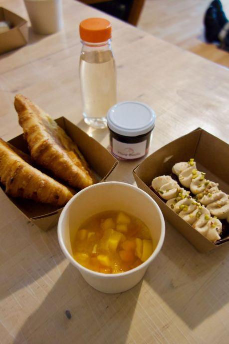 salade de fruits clémentine, orange, kaki et mangue