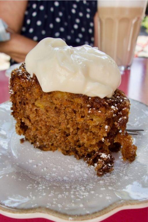 carrot cake et cream cheese fouettée
