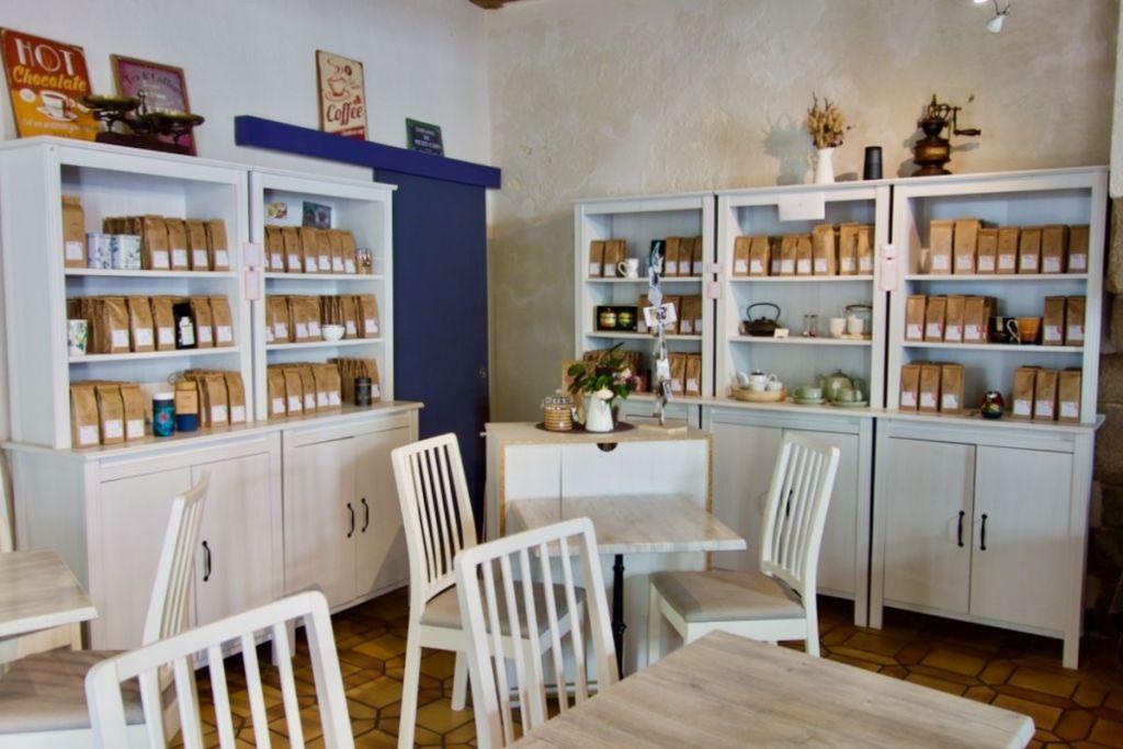 intérieur du salon de thé goût'thé à nantes