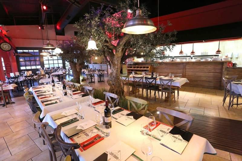 restaurant italien a atlantis le cafe