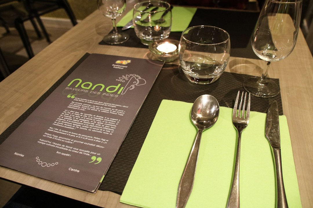 Nandis Place Setting