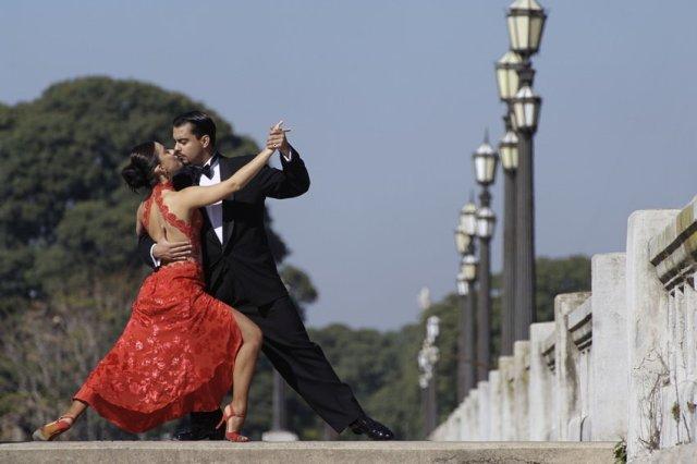 tanec_tango_muzhchina_i_zhenshchina_depositphotos_850_d_850