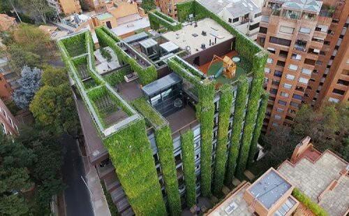 Самый большой вертикальный городской сад в мире