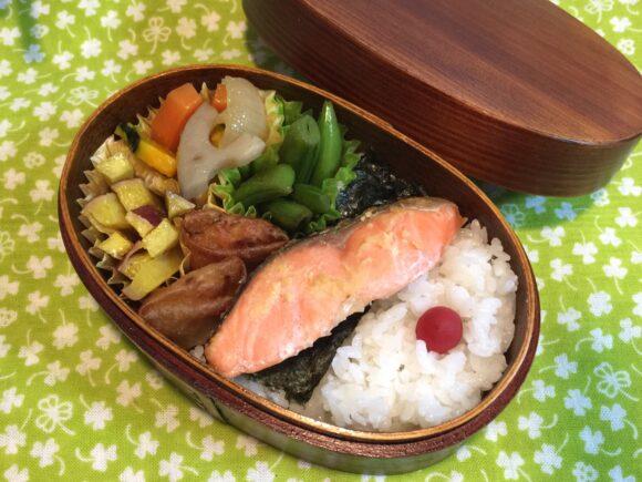 鮭の曲げわっぱ弁当 野菜たっぷり栄養満点!