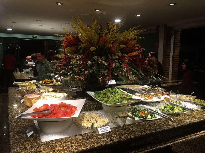 rafain_churrascaria_jantar_buffet_salada_foz_do_iguacu_parana
