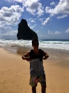 Rodrigo andando na Praia da Cacimba do Padre.