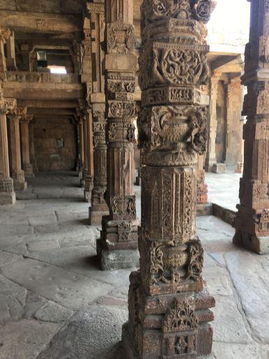 qtub-minar-nova-delhi-india-nao-e-caro-viajar-2