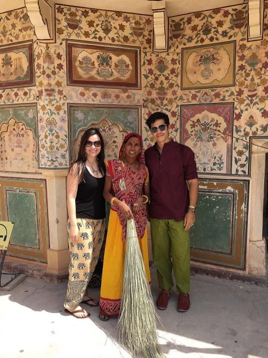 Com a calça estilo aladdin que comprei em Jaipur.