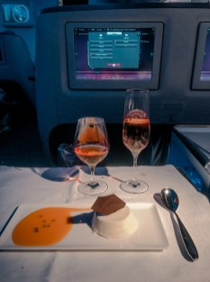 Refeição classe executiva Qatar Airways