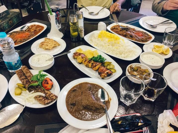o-que-comer-no-ira-delicias-iranianas