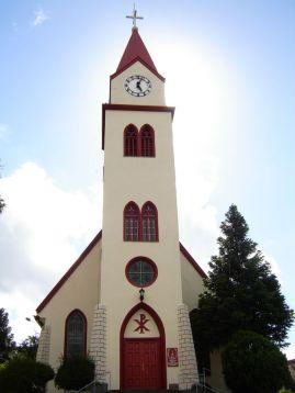 igreja relógio gramado